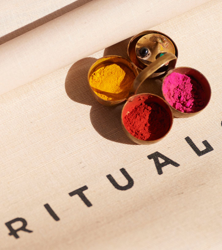 Rituals bag and pigments